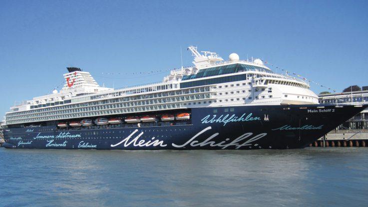 Die Mein Schiff 2 im Hamburger Hafen. Foto: TUI Cruises