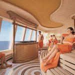 In der Sauna ist ein herrlicher Blick über das Meer möglich. Foto: AIDA Cruises
