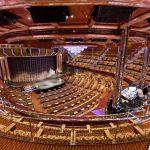 Das riesige Theater lädt zu tollen Aufführungen. Foto: Costa Crociere