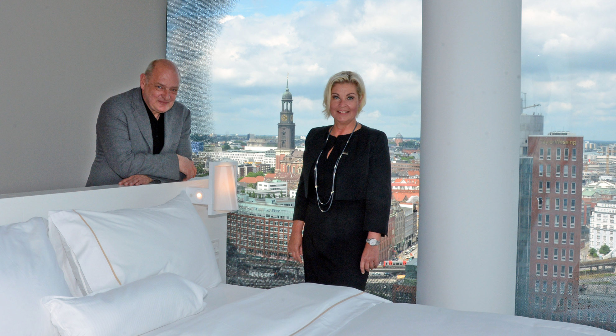 exklusive einblicke westin hotel hamburg. Black Bedroom Furniture Sets. Home Design Ideas