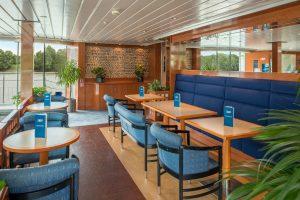 Die Lobby empfängt euch auf dem Schiff. Foto: Nicko-Cruises