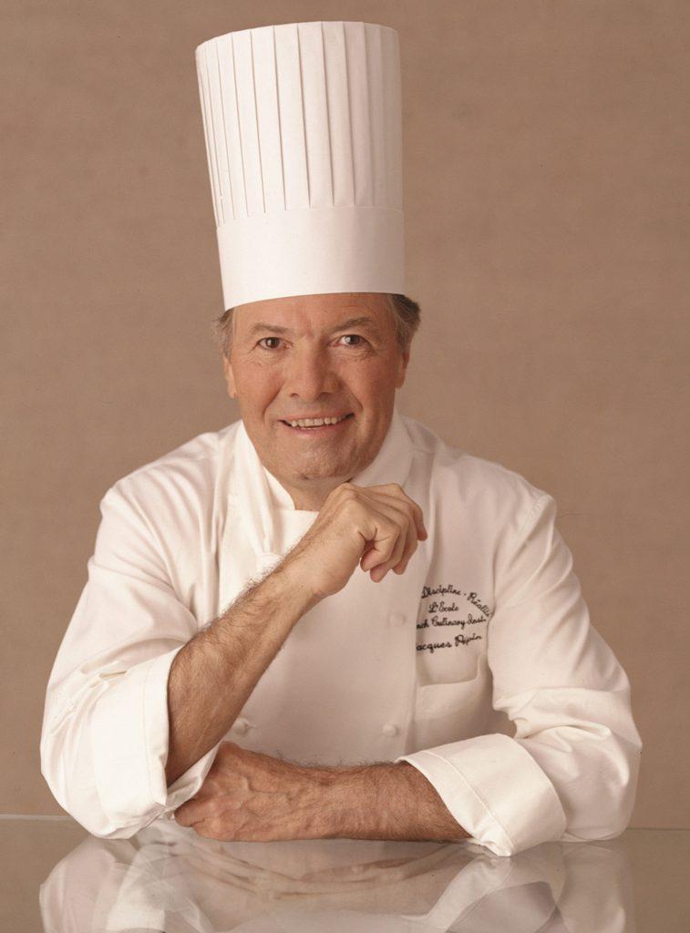 Jacques Pépin ist für die ausgezeichnete Küche auf den Oceania Schiffen verantwortlich. Foto: Oceania Cruises