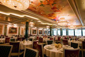 Das Hauptrestaurant Summer Palace. Norwegian Cruise Line