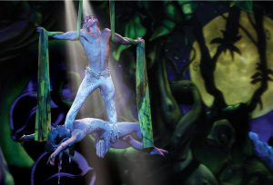 Ein Tänzer im Cirque Dreams Jungle Fantasy. Foto: Norwegian Cruise Line