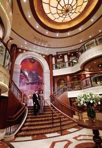 Die Lobby empfängt euch stilecht. Foto: Cunard Lines
