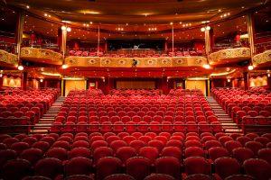 Das imposant Theater. Foto: Cunard Lines