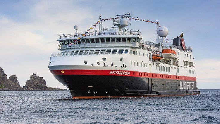 Die MS Spitsbergen Foto: Hurtigruten AS/ Ørjan Bertelsen