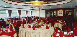 Das Restaurant an Bord der MS Watutin. Foto: 1AVista Reisen
