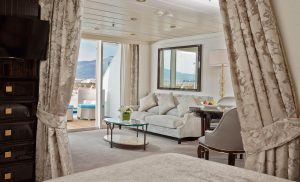 Blick in einer Horizon View Suite. Foto: Regent Seven Seas Cruises