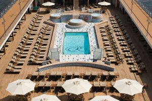 Das großzügige Pool Deck. Foto: Regent Seven Seas Cruises