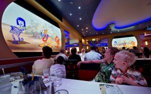 Auch in den Restaurants dreht sich alles um Disney. Foto: Disney Cruise Line