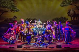 An Bord erwarten euch viele spannende Shows. Foto: Disney Cruise Line/Kent Phillips