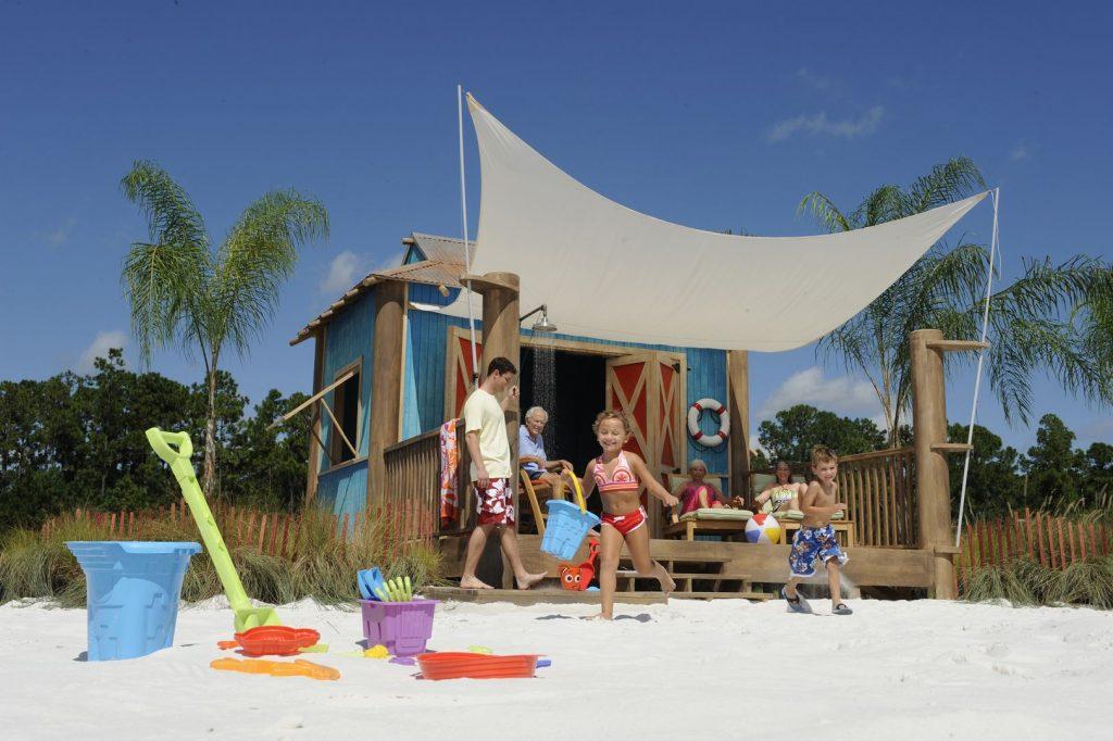 In den gemütlichen Cabanas könnte ihr schöne Stunden auf der Insel verbringen. Foto: Disney Cruise Line/Kent Phillips