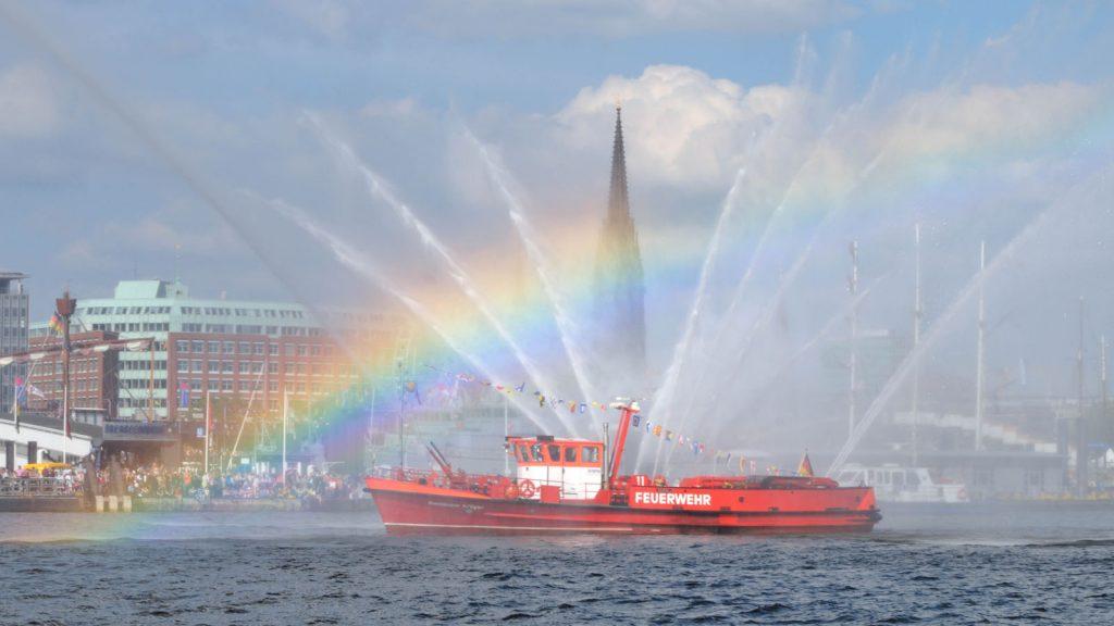 Am Freitag beginnt das offizielle Programm auf dem Wasser. Foto: www.mediaserver.hamburg.de / Christian Spahrbier