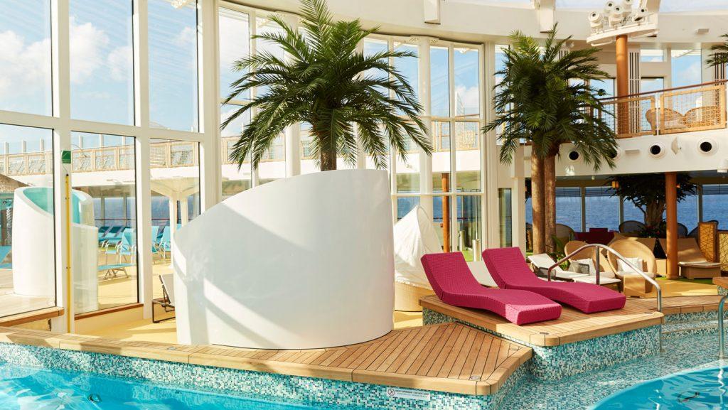 Der Beachclub an Bord der AIDAperla. Foto_ AIDA Cruises