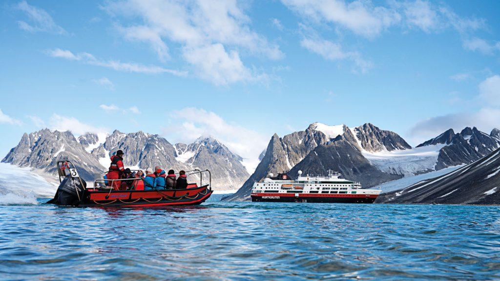 Unzählige Expeditions-Seereisen hat die Fram in den letzten zehn Jahren unternommen. Foto: Hurtigruten/Michael Hall