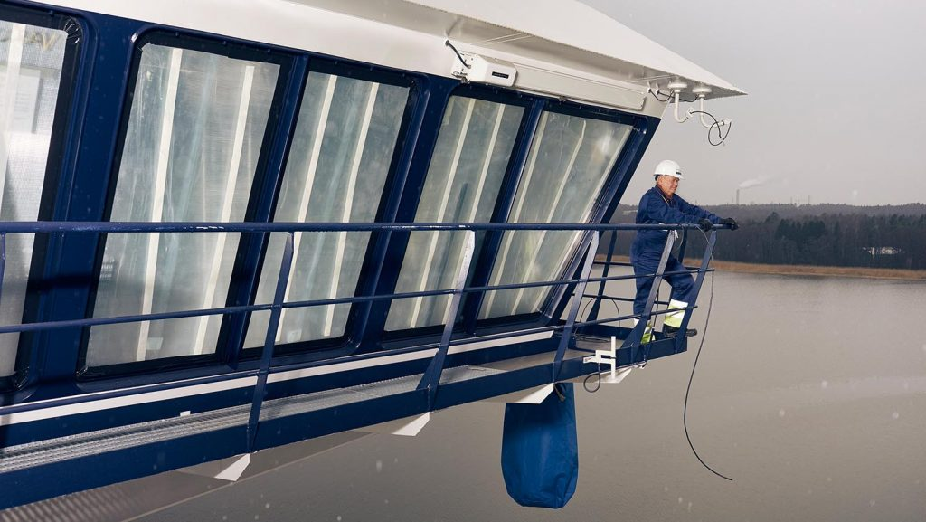 Kapitän Kjell Holm an seinem neuen Arbeitsplatz. Foto: TUI Cruises
