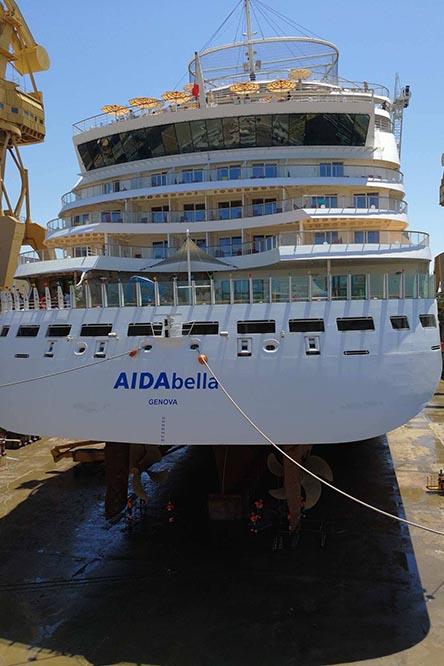 Die AIDAbella im Trockendock von Cádiz. Foto: Wiebke K./Kreuzfahrten & Mehr