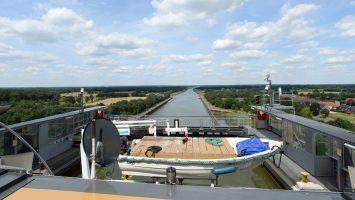 Blick vom Schiffshebewerk in Richtung Elbe. Foto: Lenthe/touristik-foto.de