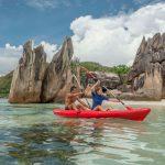 Mit dem Kajak die Inselwelt der Seychellen entdecken. Foto: Silhouette Cruises