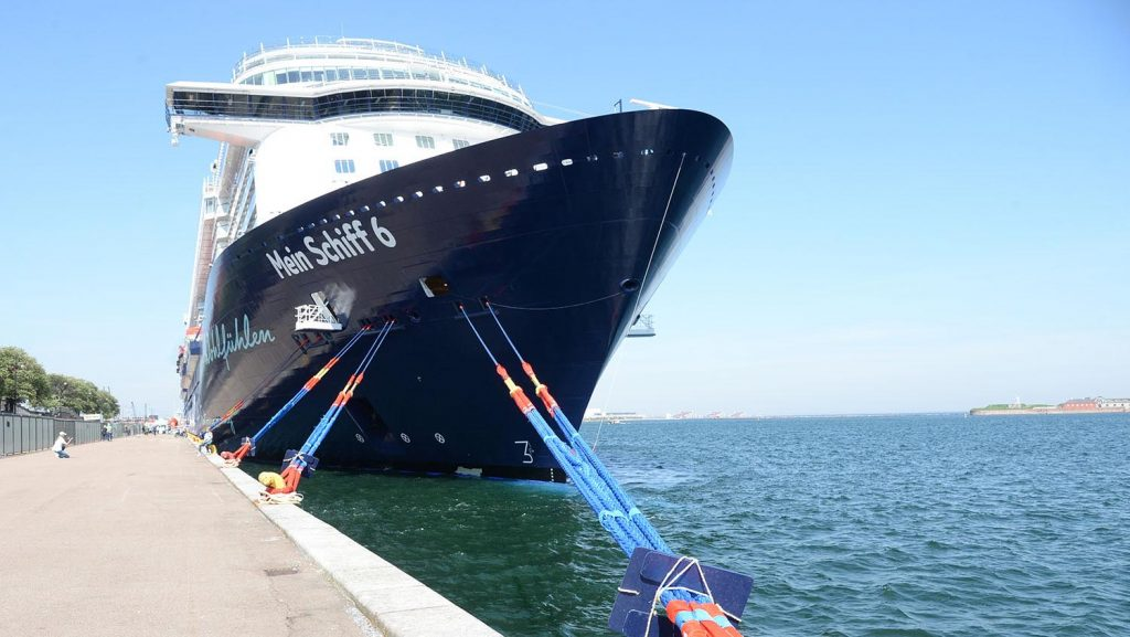 Die Mein Schiff 6 in Kopenhagen. Foto: lenthe/touristik-foto.de