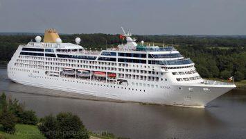 Die Adonia fuhr bisher für P&O Cruises und wird nun die Flotte von Azamara Club Cruises erweitern. Foto: Oliver Asmussen/oceanliner-pictures.com