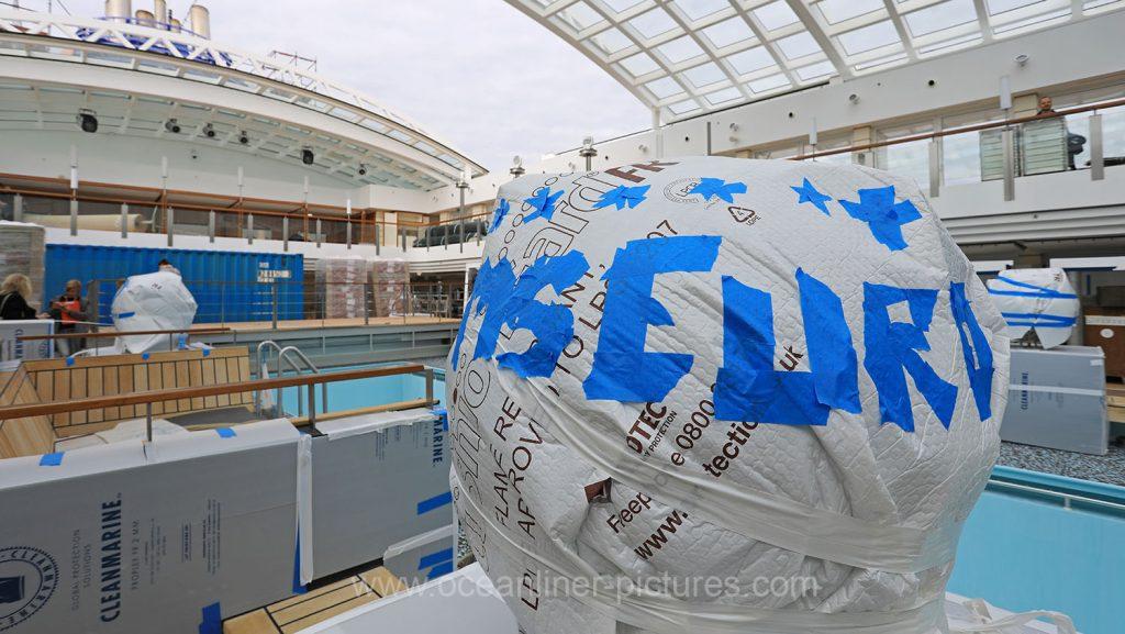 Auf dem Sonnendeck Europa 2 Werft. Foto: Oliver Asmussen/oceanliner-pictures.com