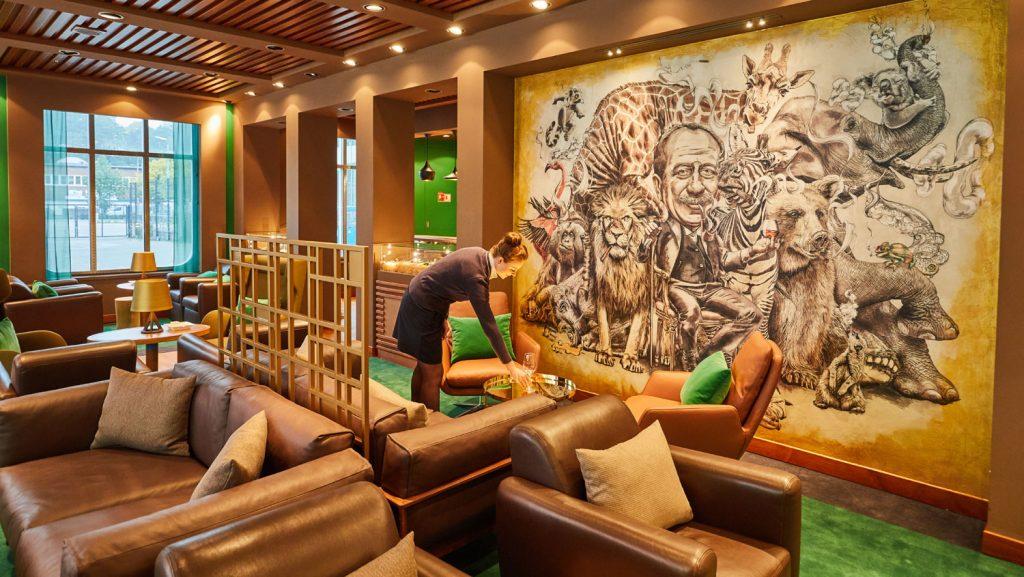 Die beliebte Gin-Bar Herrenzimmer präsentiert sich in neuer Optik und heißt jetzt Collins. Foto: Christian Wyrwa