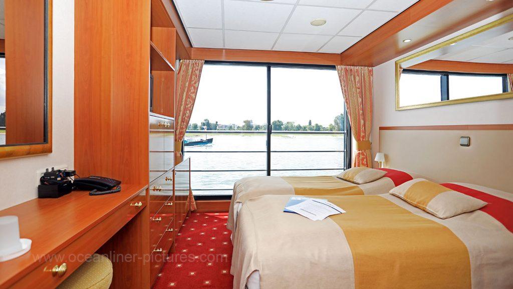 Elegant Lady Kabine 201 mit französischem Balkon. Foto: Oliver Asmussen/oceanliner-pictures.com