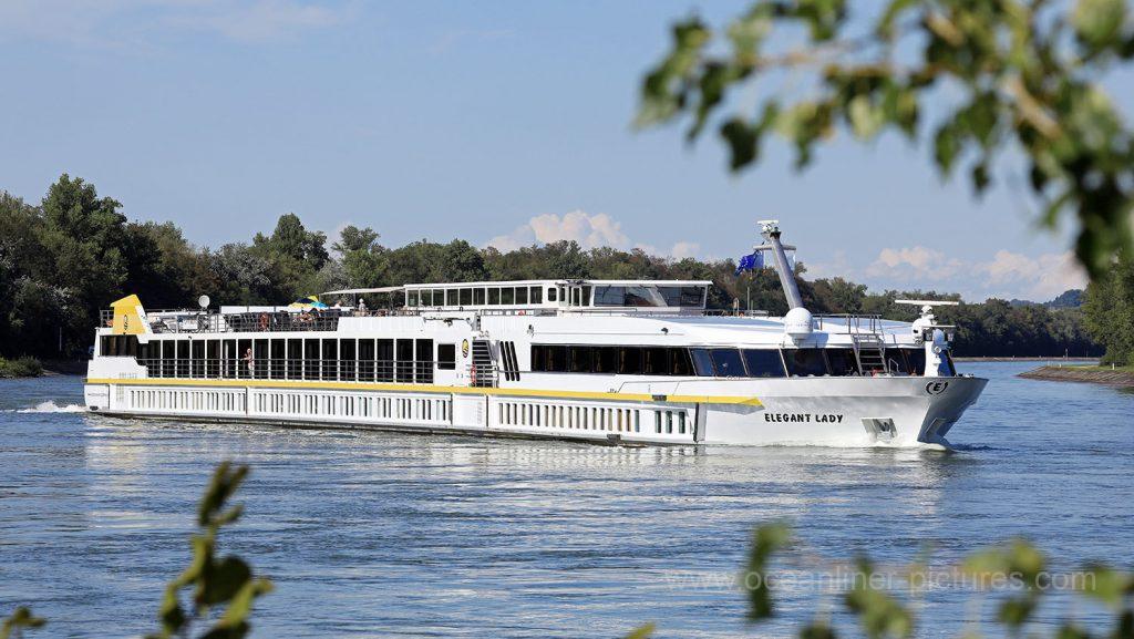 MS Elegant Lady kurz vor Basel. Foto: Oliver Asmussen/oceanliner-pictures.com