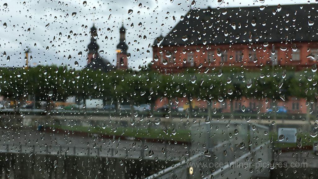 Mainz im Regen 11.08.2017. Foto: Oliver Asmussen/oceanliner-pictures.com