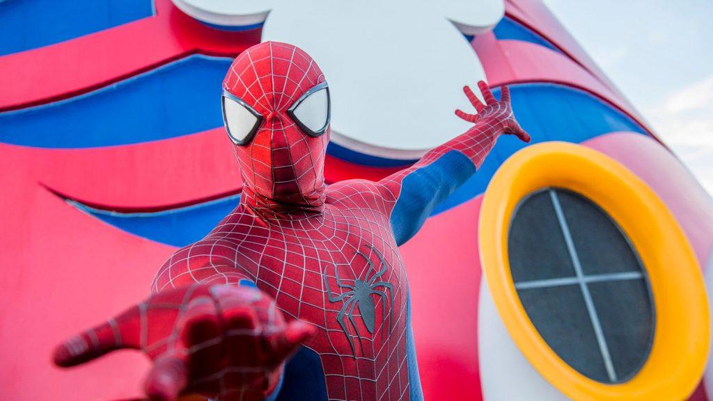 Spider Man an Bord der Disney Magic. Foto: Disney Cruise Line/Chloe Rice