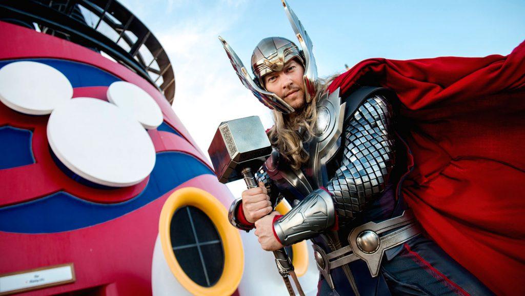 Natürlich ist auch Loki mit dabei. Foto: Foto: Disney Cruise Line/Chloe Rice