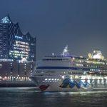 AIDAcara wird mit einer Hafenrundfahrt verabschiedet. Foto: AIDA Cruises