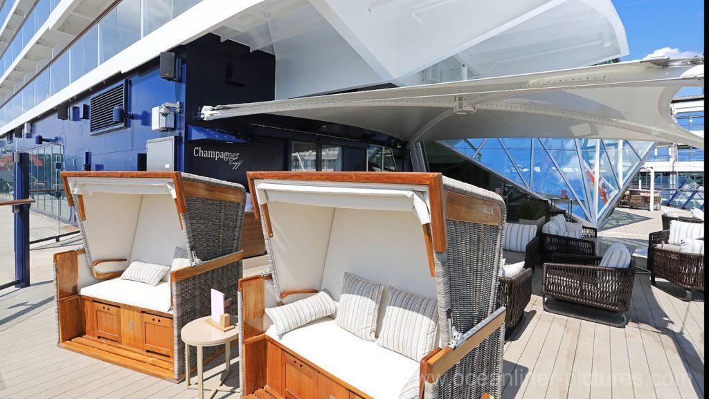 Außenbereich Champagner Treff Mein Schiff 6. Foto: Oliver Asmussen/oceanliner-pictures.com