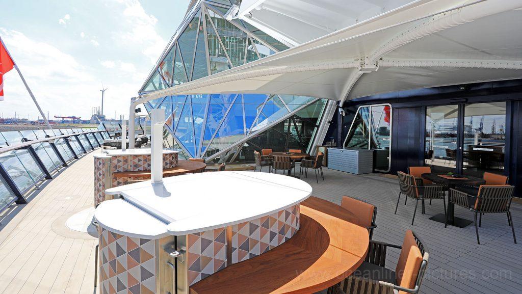 Außenbereich Surf and Turf Steakhouse Mein Schiff 6. Foto: Oliver Asmussen/oceanliner-pictures.com