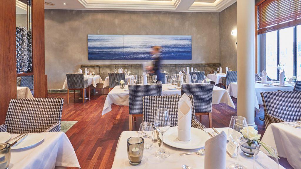 Das Restaurant Dieter Müller erstrahlt im neuen Glanz.  Foto: Hapag-Lloyd Cruises / Wyrwa