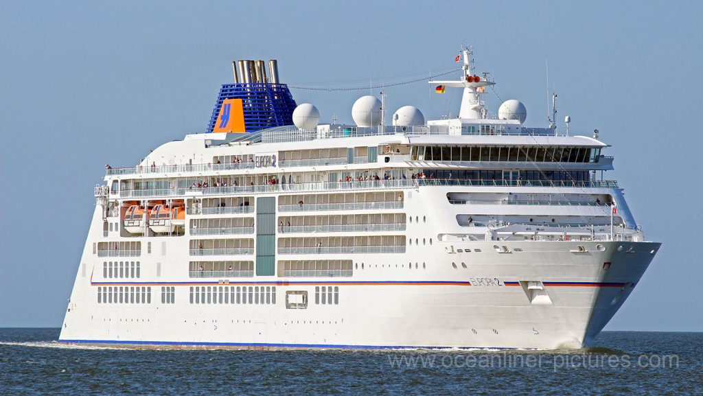 Europa 2 im Sommer 2017 vor Cuxhaven. Foto: K. Kaulfuss/oceanliner-pictures.com/