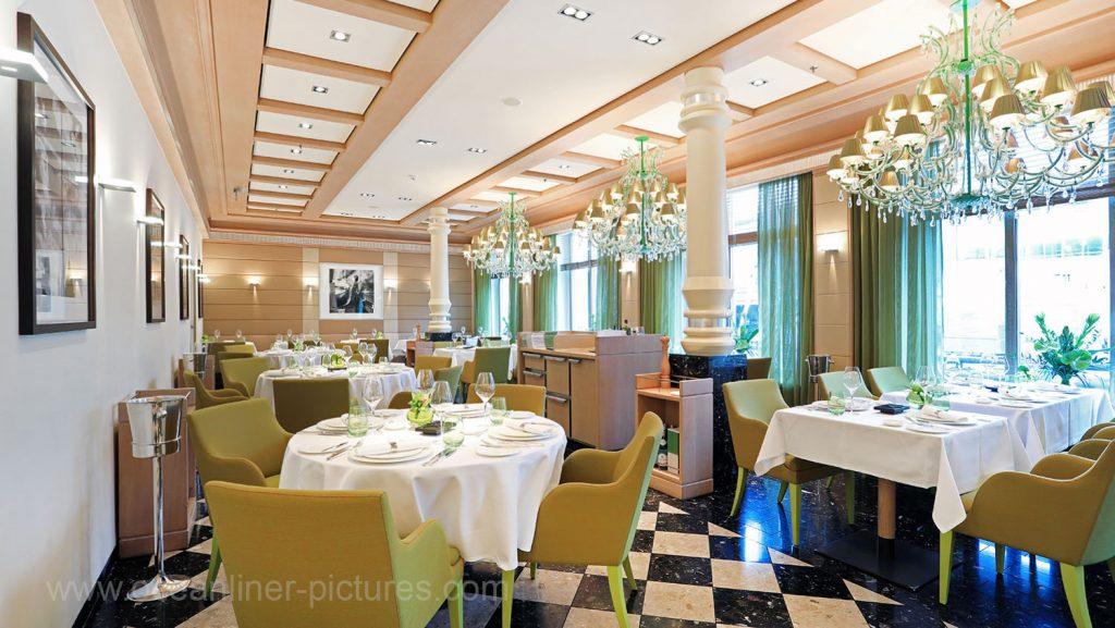 MS Europa 2 Restaurant Serenissima. Foto: Oliver Asmussen/oceanliner-pictures.com