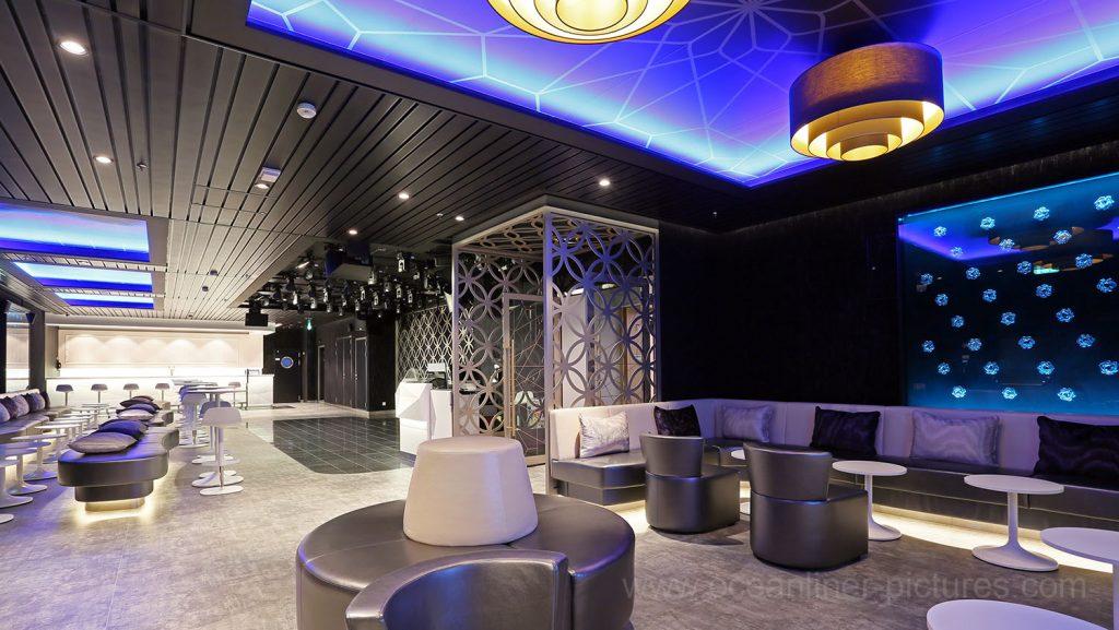 Mein Schiff 5 Abtanz Bar. Foto: Oliver Asmussen/oceanliner-pictures.com