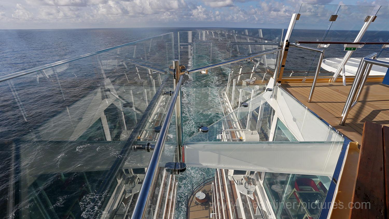 höchste glasbrücke der welt