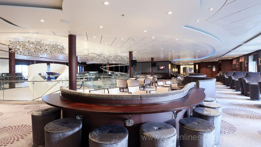 Mein Schiff 5 Schau Bar. Foto: Oliver Asmussen/oceanliner-pictures.com