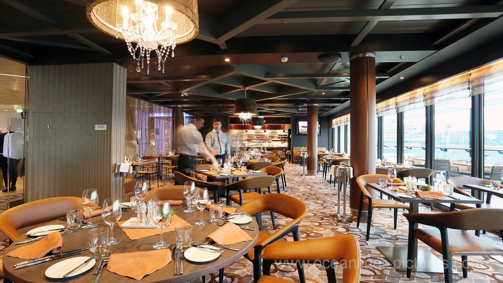 Mein Schiff 5 Surf and Turf Steakhouse. Foto: Oliver Asmussen/oceanliner-pictures.com
