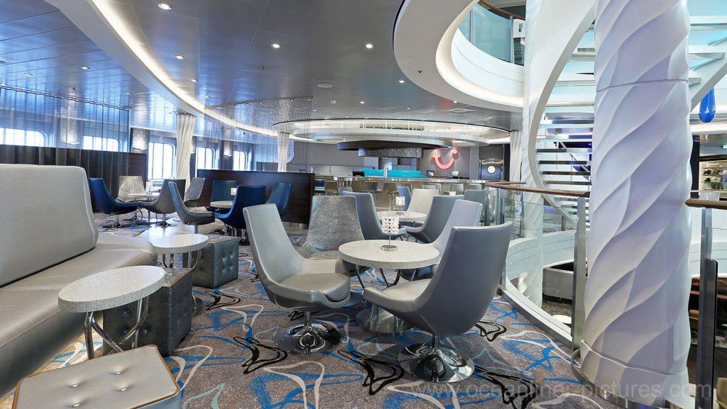 Mein Schiff 5 TUI Bar. Foto: Oliver Asmussen/oceanliner-pictures.com