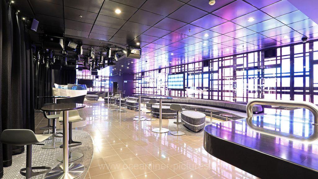Mein Schiff 6 Abtanz Bar. Foto: Oliver Asmussen/oceanliner-pictures.com