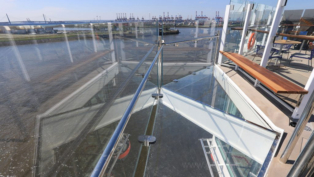 Mein Schiff 6 Blauer Balkon Backbord. Foto: Oliver Asmussen/oceanliner-pictures.com