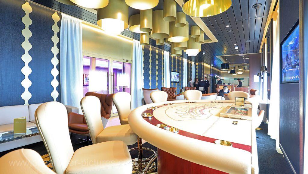 Mein Schiff 6 Casino und Lounge. Foto: Oliver Asmussen/oceanliner-pictures.com