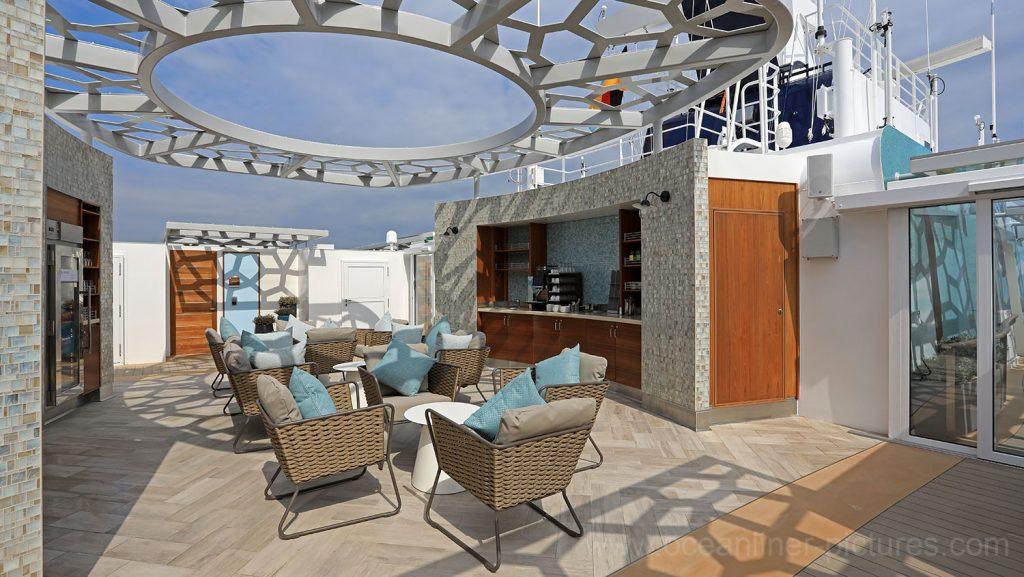 Mein Schiff 6 Loungebereich X-Sonnendeck. Foto: Oliver Asmussen/oceanliner-pictures.com