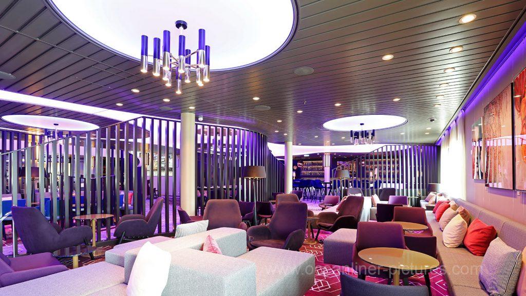 Mein Schiff 6 Lumas Bar und Lounge. Foto: Oliver Asmussen/oceanliner-pictures.com