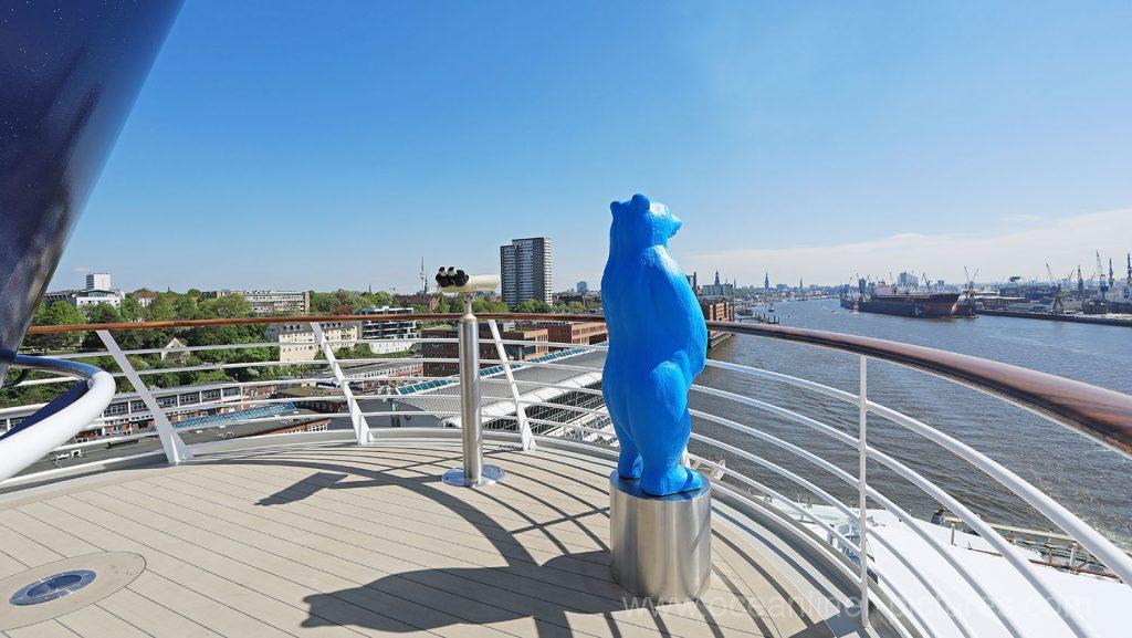 Mein Schiff 6 der Ausguck auf Deck 16 mit Bär. Foto: Oliver Asmussen/oceanliner-pictures.com